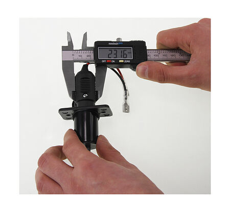 Power Socket 12/24V, Plug & Socket Line, video, C3024W,  art-00018189( 14)   F25